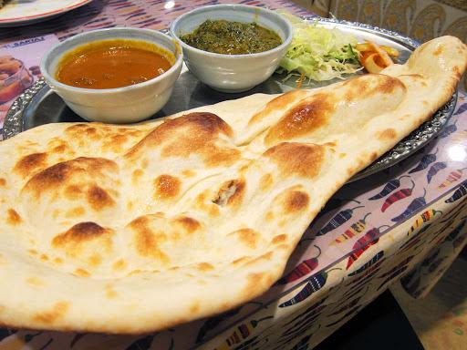 インド・ネパールレストラン DEVi 羽咋店