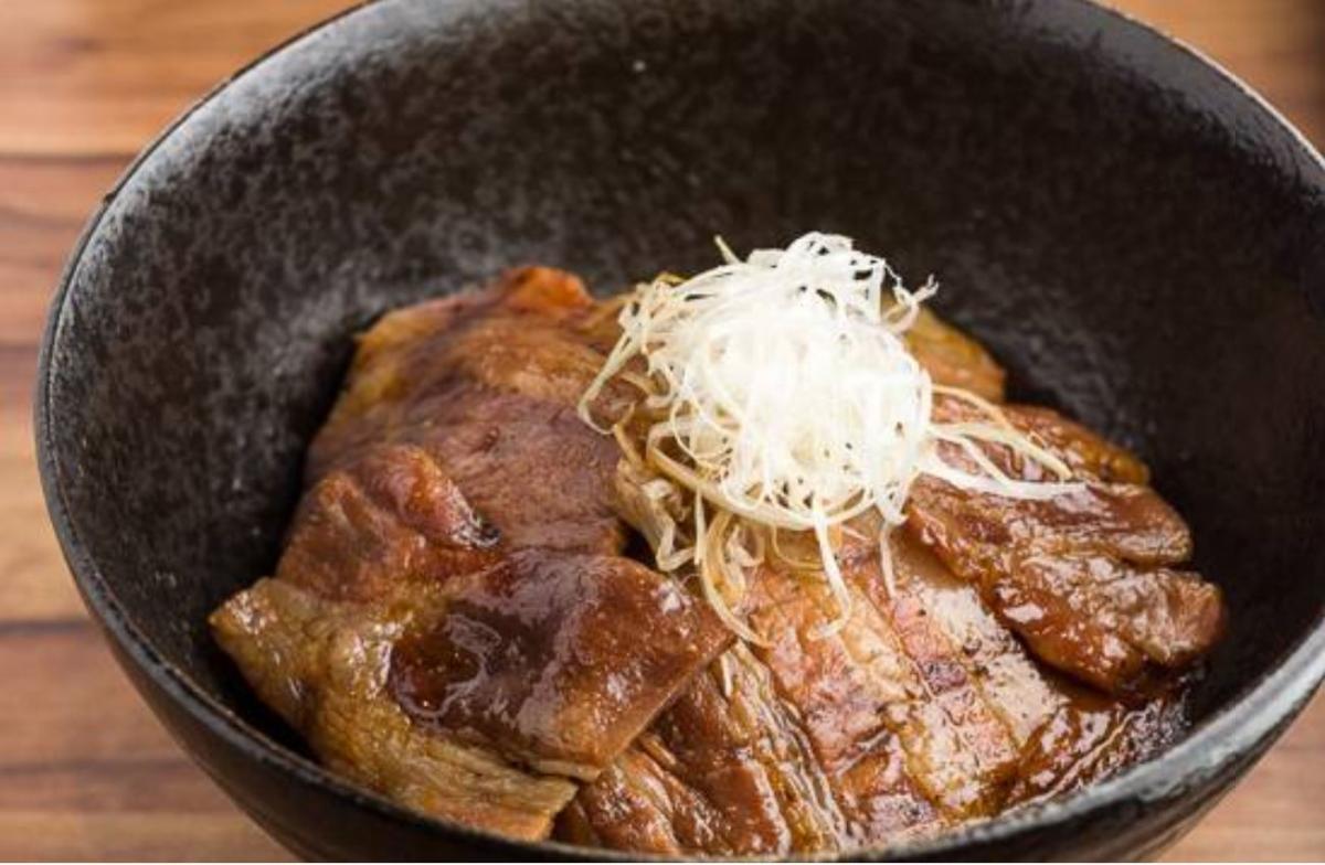 帯広炭火焼豚丼 豚吉