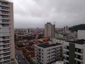 Apartamento a Venda no bairro Canto do Forte em Praia Grande - SP. 2 banheiros, 3 dormitórios, 1 suíte, 2 vagas na garagem, 1 cozinha,  área de serviç