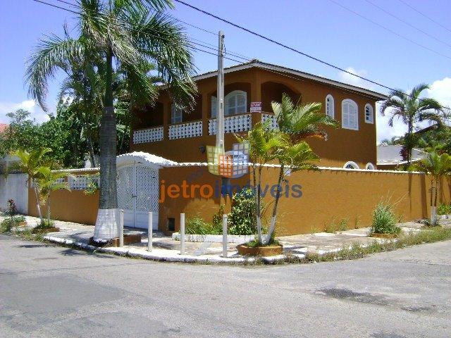 Sobrado a Venda no bairro Centro em Itanhaém - SP. 3 banheiros, 4 dormitórios, 1 suíte, 6 vagas na garagem, 1 cozinha,  área de serviço,  copa,  lavab