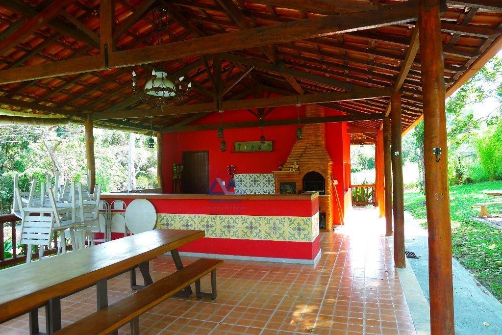 Sítio a Venda no bairro Centro em São Gonçalo do Pará - MG. 4 banheiros, 4 dormitórios, 1 cozinha,  sala de tv,  sala de jantar.  - 112