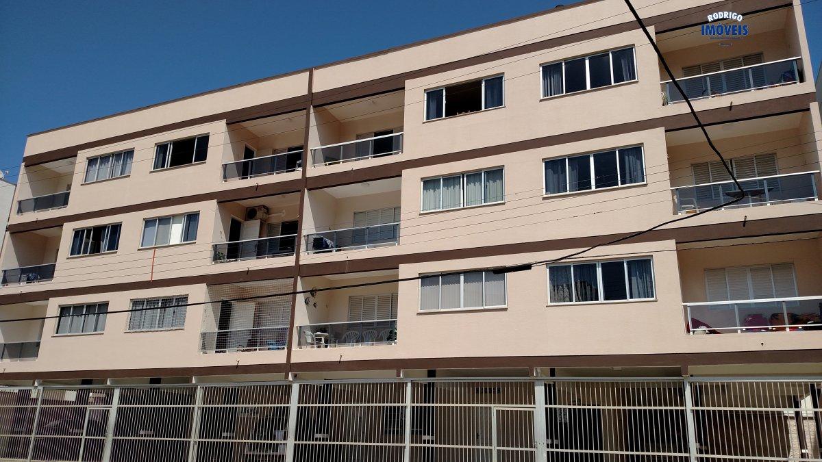 Apartamento em frente a Praça Maracajá