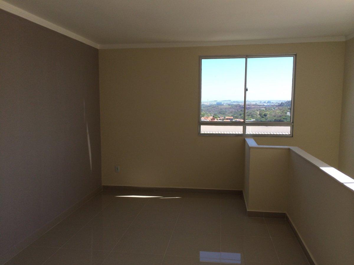 Apartamento a Venda no bairro Jardim São Vito em Americana - SP. 1 banheiro, 2 dormitórios, 1 suíte, 2 vagas na garagem, 1 cozinha,  área de serviço.