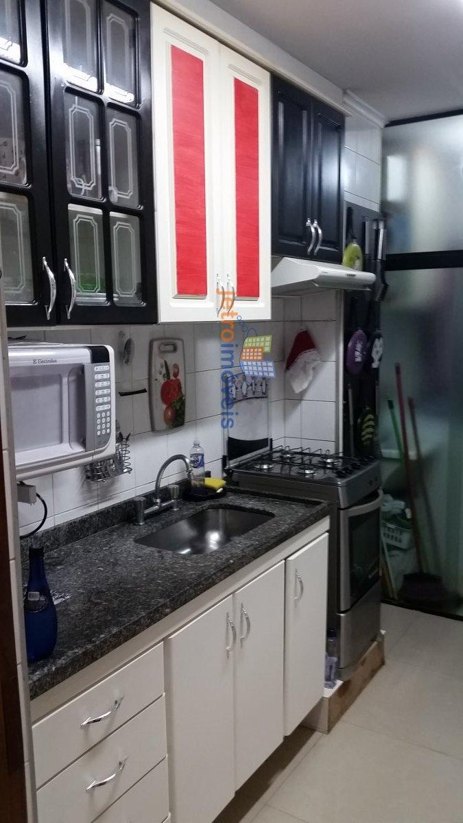 Apartamento a Venda no bairro Vila Valparaíso em Santo André