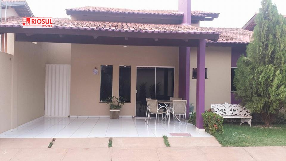 Casa a Venda no bairro Santa Inês em Imperatriz - MA. 2 banheiros, 3 dormitórios, 1 suíte, 3 vagas na garagem, 1 cozinha,  área de serviço,  lavabo,