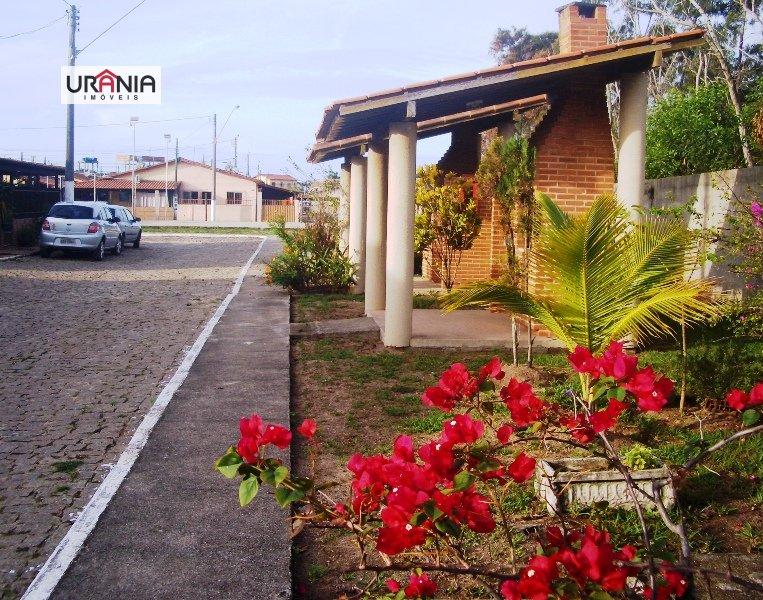 Casa a Venda no bairro Santa Paula II em Vila Velha - ES. 1 banheiro, 2 dormitórios, 2 vagas na garagem, 1 cozinha,  área de serviço,  sala de jantar.