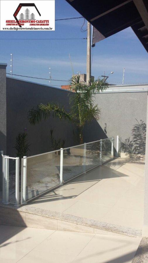 Casa a Venda no bairro Terras de Santa Bárbara em Santa Bárbara D´Oeste - SP. 1 banheiro, 3 dormitórios, 1 suíte, 4 vagas na garagem, 1 cozinha,  área