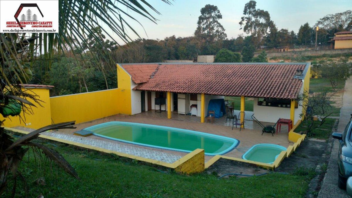 Chácara a Venda no bairro Balsa em Americana - SP. 2 banheiros, 3 dormitórios, 5 vagas na garagem, 1 cozinha,  área de serviço,  sala de estar,  sala