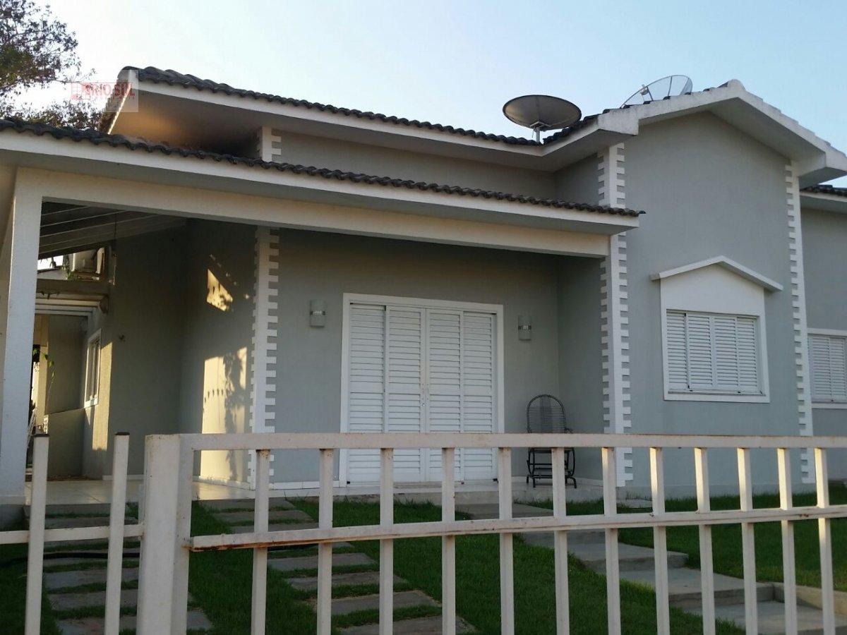 Casa a Venda no bairro João Paulo II em Imperatriz - MA. 2 banheiros, 3 dormitórios, 1 suíte, 2 vagas na garagem, 1 cozinha,  área de serviço,  sala d