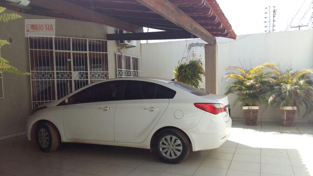 Casa a Venda no bairro Bacuri em Imperatriz - MA. 4 banheiros, 3 dormitórios, 2 suítes, 3 vagas na garagem, 1 cozinha,  área de serviço,  lavabo,  sal
