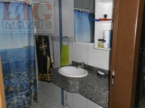 Casa a Venda no bairro Centro em Guaratuba - PR. 2 banheiros, 2 dormitórios, 1 vaga na garagem, 1 cozinha,  área de serviço,  copa,  sala de estar.  -