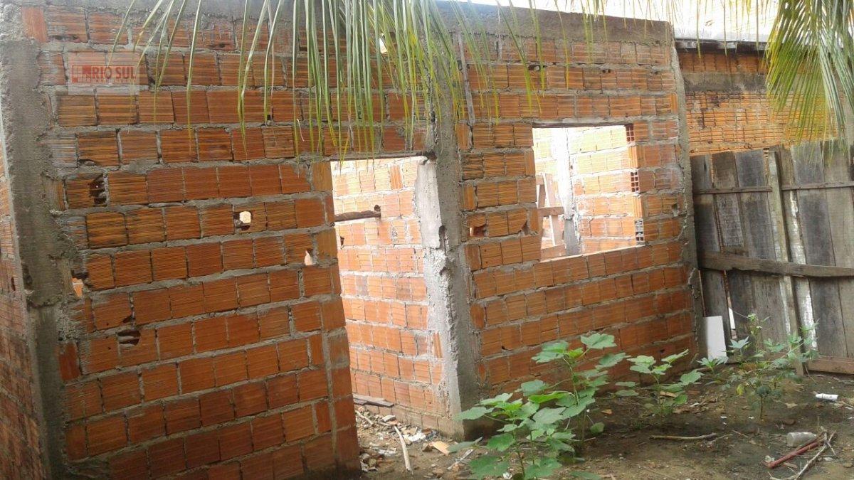 Casa a Venda no bairro Santa Inês em Imperatriz - MA. 1 banheiro, 2 dormitórios, 1 cozinha,  área de serviço,  sala de estar.  - 00108
