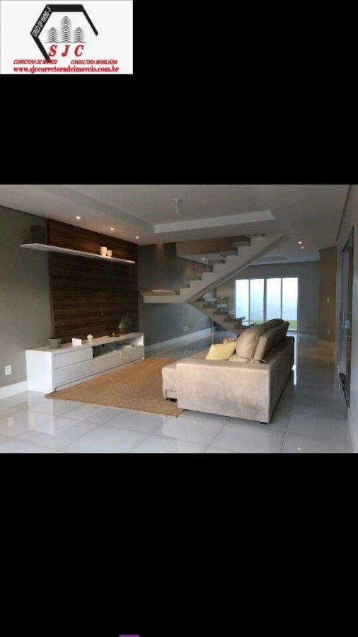Casa a Venda no bairro Parque Universitário em Americana - SP. 1 banheiro, 3 dormitórios, 1 suíte, 3 vagas na garagem, 1 cozinha,  closet,  área de se