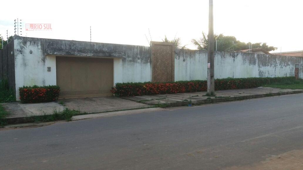 Casa a Venda no bairro Vila Nova em Imperatriz - MA. 4 banheiros, 4 dormitórios, 2 suítes, 6 vagas na garagem, 1 cozinha,  área de serviço,  sala de e