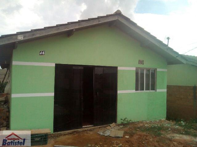 Casa a Venda no bairro Contorno em Ponta Grossa - PR. 1 banheiro, 3 dormitórios, 1 suíte, 1 vaga na garagem, 1 cozinha,  área de serviço,  sala de tv,