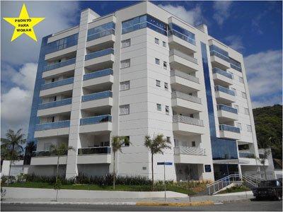 Apartamento a Venda no bairro América em Joinville - SC. 1 banheiro, 3 dormitórios, 2 suítes, 1 vaga na garagem, 1 cozinha,  área de serviço,  copa,