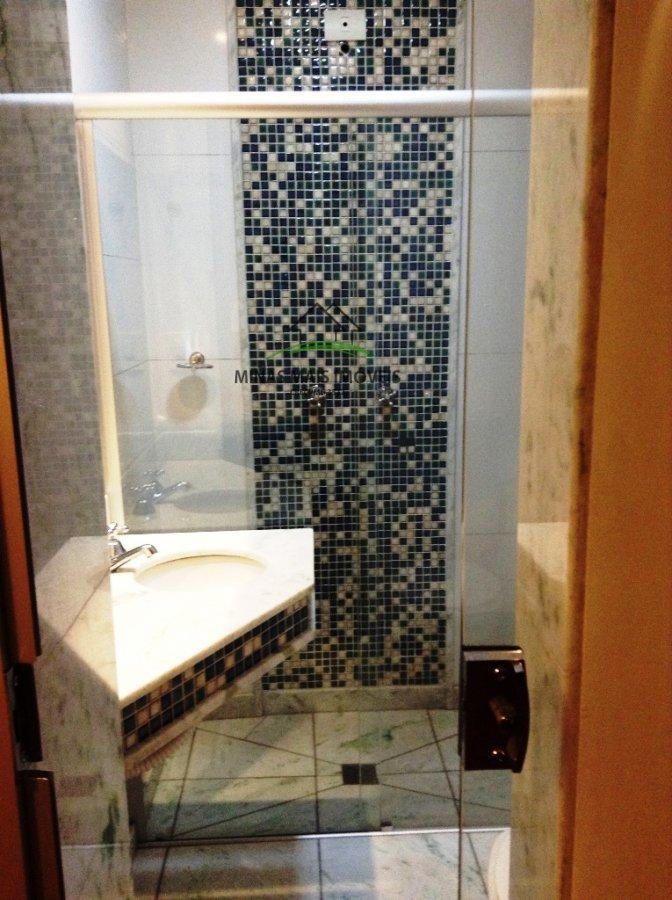 Apartamento a Venda no bairro Santa Clara em Divinópolis - MG. 3 banheiros, 3 dormitórios, 2 suítes, 1 vaga na garagem, 1 cozinha,  área de serviço,
