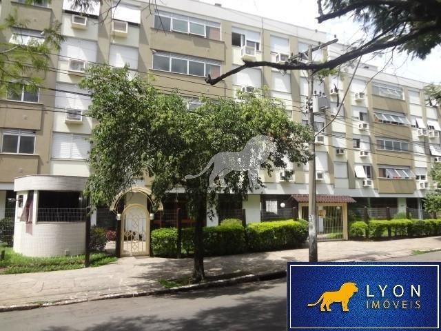 Apartamento para Alugar no bairro Petrópolis em Porto Alegre - RS. Com 1 banheiro, 1 dormitório, 1 vaga na garagem, 1 cozinha.  Com elevador.