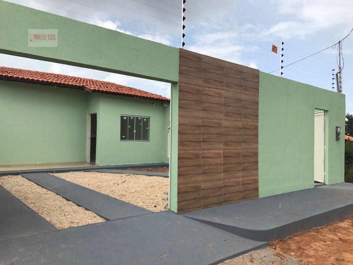 Casa a Venda no bairro Vila Esmeraldo  em Imperatriz - MA. 2 banheiros, 2 dormitórios, 1 suíte, 2 vagas na garagem, 1 cozinha,  área de serviço,  sala
