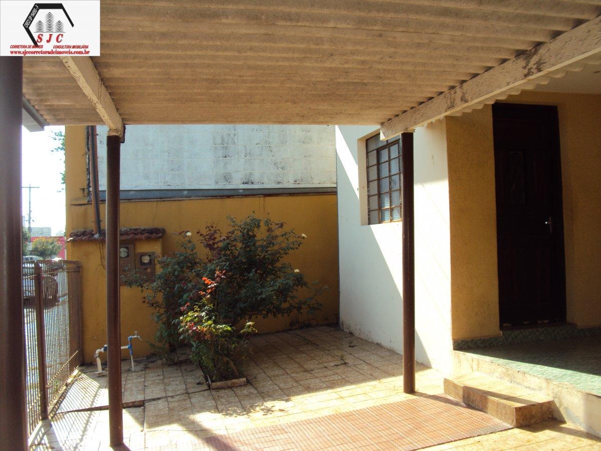 Casa a Venda no bairro Jardim São Paulo em Americana - SP. 1 banheiro, 3 dormitórios, 3 vagas na garagem, 1 cozinha,  área de serviço,  sala de tv.  -