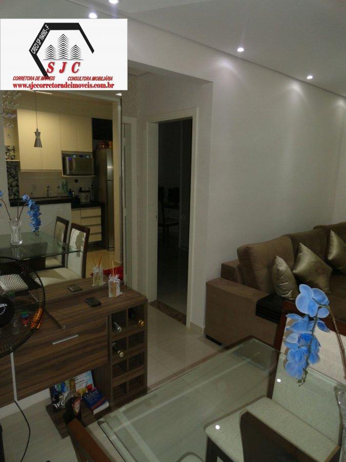 Apartamento a Venda no bairro Chácara Letônia em Americana - SP. 1 banheiro, 2 dormitórios, 1 vaga na garagem, 1 cozinha,  área de serviço,  sala de e