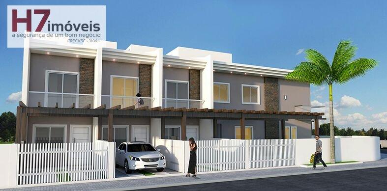 Casa a Venda no bairro Costa e Silva em Joinville - SC. 1 banheiro, 2 dormitórios, 1 vaga na garagem, 1 cozinha,  lavabo.