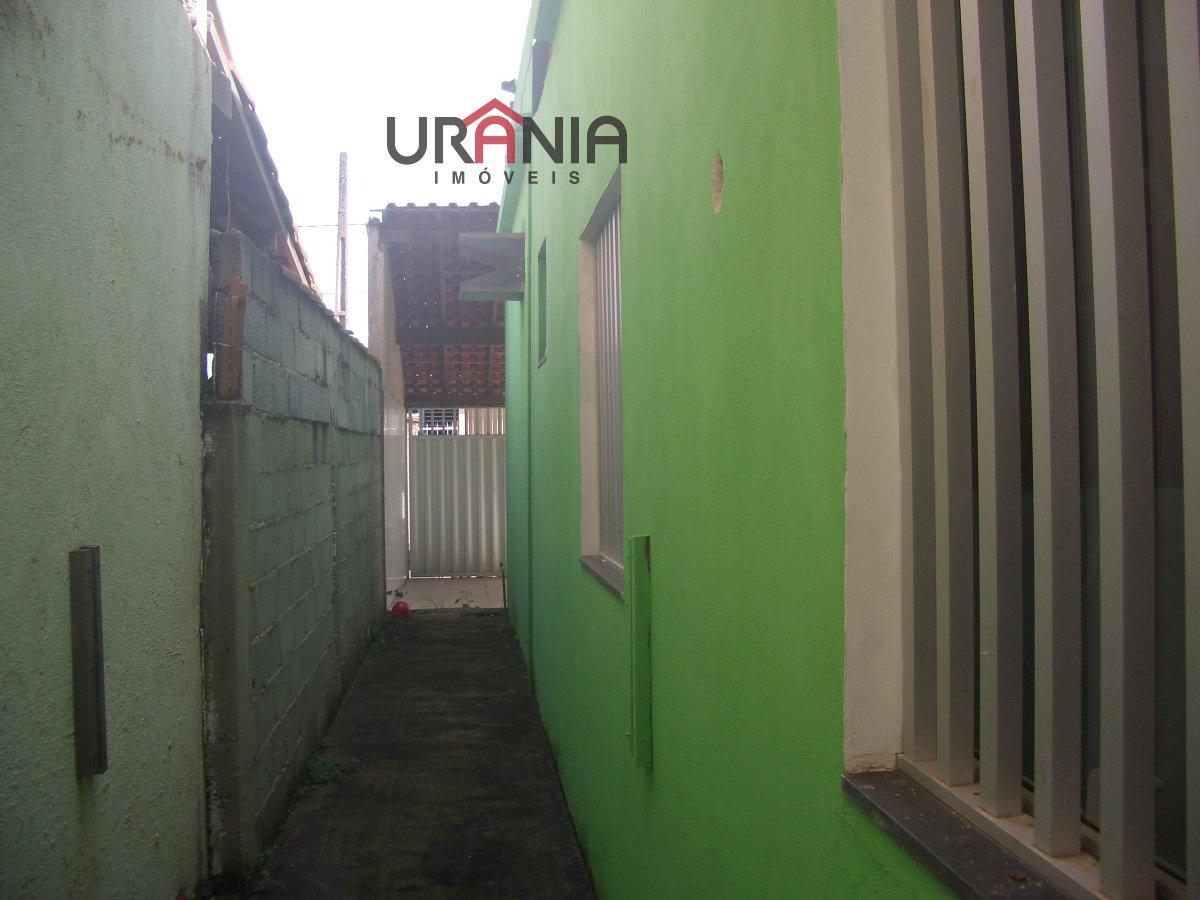Casa para Alugar no bairro Santa Paula em Vila Velha - ES. 1 banheiro, 3 dormitórios, 2 vagas na garagem, 1 cozinha,  área de serviço,  copa,  sala de