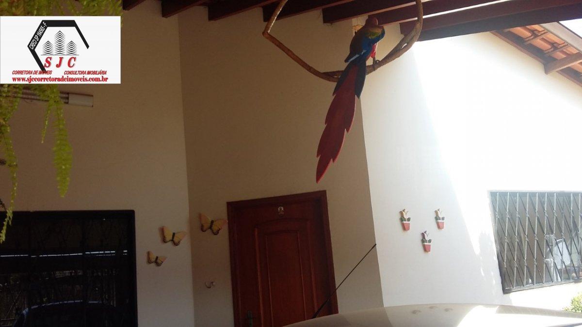 Casa a Venda no bairro Parque Olaria em Santa Bárbara D´Oeste - SP. 1 banheiro, 2 dormitórios, 1 suíte, 2 vagas na garagem, 1 cozinha,  área de serviç