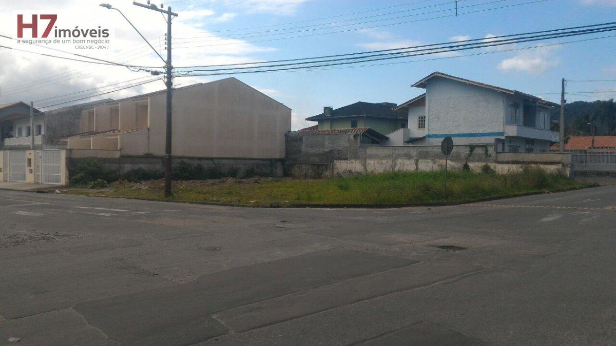 Terreno a Venda no bairro Saguaçu em Joinville - SC.