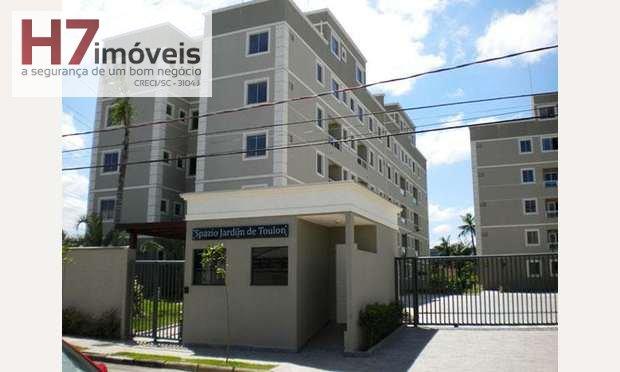 Apartamento a Venda no bairro Santo Antônio em Joinville - SC. 1 banheiro, 2 dormitórios, 1 suíte, 1 vaga na garagem, 1 cozinha,  área de serviço,  sa