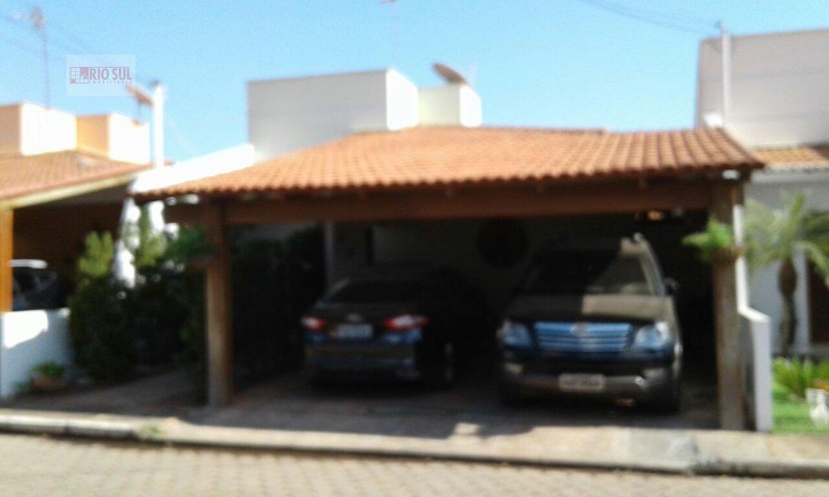 Casa a Venda no bairro Santa Inês em Imperatriz - MA. 2 banheiros, 3 dormitórios, 1 suíte, 2 vagas na garagem, 1 cozinha,  área de serviço,  sala de j