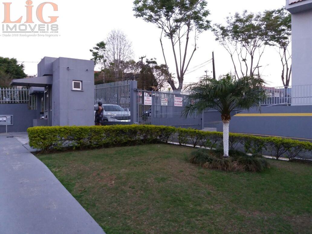 Apartamento a Venda no bairro Boqueirão em Curitiba - PR. 2 banheiros, 3 dormitórios, 1 suíte, 1 vaga na garagem, 1 cozinha,  área de serviço,  sala d