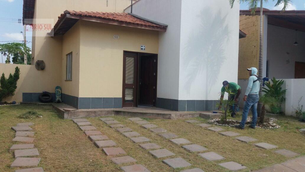 Casa para Alugar no bairro João Paulo II em Imperatriz - MA. 2 banheiros, 2 dormitórios, 1 suíte, 3 vagas na garagem, 1 cozinha,  área de serviço,  sa
