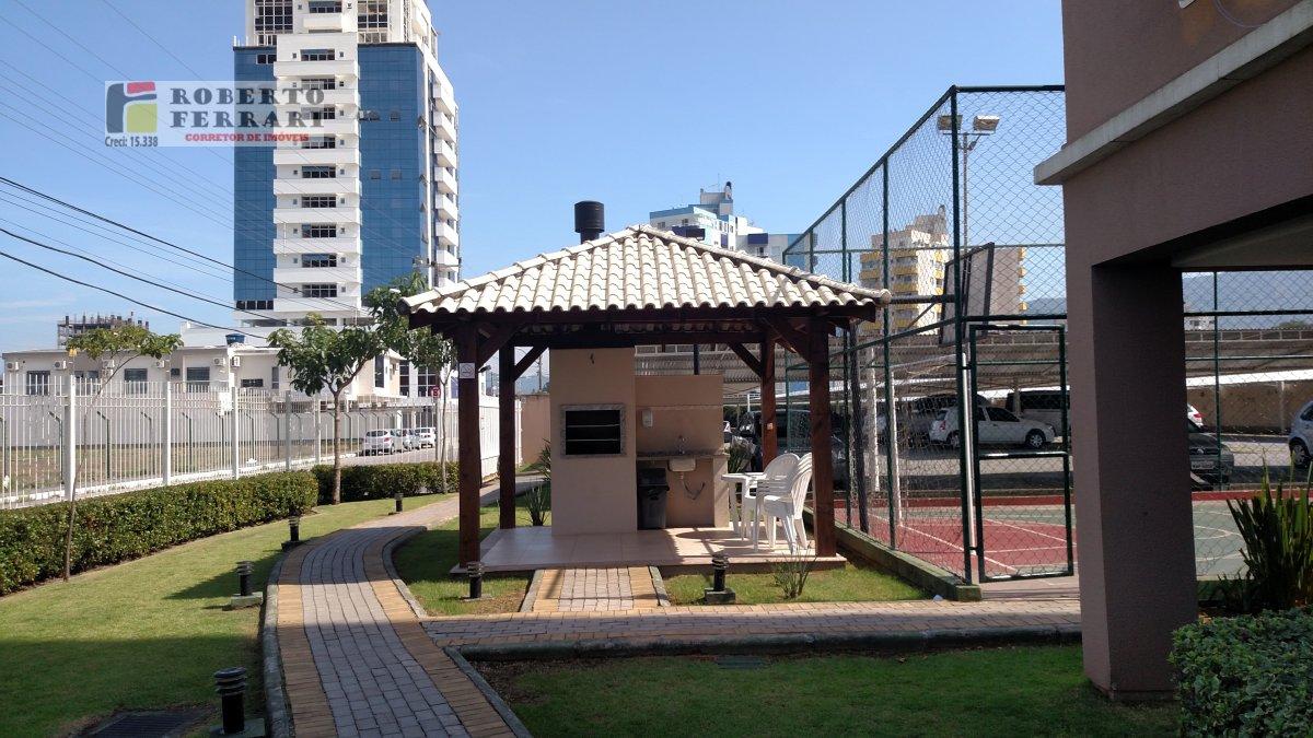 Apartamento a Venda no bairro Passa Vinte em Palhoça - SC. 1 banheiro, 2 dormitórios, 1 suíte, 1 vaga na garagem, 1 cozinha,  área de serviço,  sala d