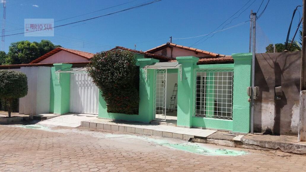 Casa a Venda no bairro Santa Inês em Imperatriz - MA. 2 banheiros, 3 dormitórios, 1 suíte, 2 vagas na garagem, 1 cozinha,  área de serviço,  sala de e
