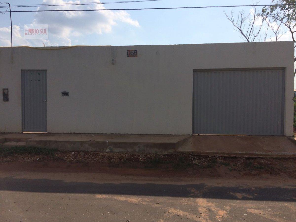 Casa a Venda no bairro Jardim São Luís em Imperatriz - MA. 2 banheiros, 3 dormitórios, 1 suíte, 2 vagas na garagem, 1 cozinha,  área de serviço,  sala