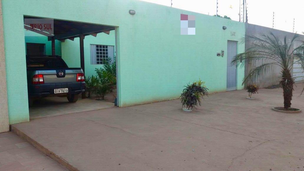 Casa a Venda no bairro Santa Rita em Imperatriz - MA. 2 banheiros, 2 dormitórios, 1 suíte, 1 vaga na garagem, 1 cozinha,  área de serviço,  sala de es