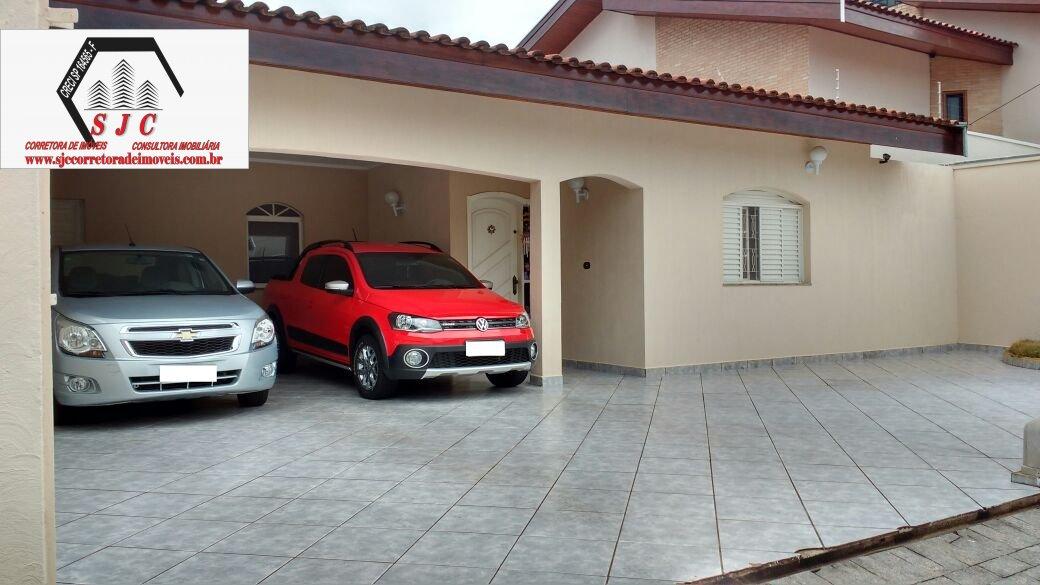 Casa a Venda no bairro Parque Residencial Nardini em Americana - SP. 1 banheiro, 3 dormitórios, 1 suíte, 4 vagas na garagem, 1 cozinha,  área de servi