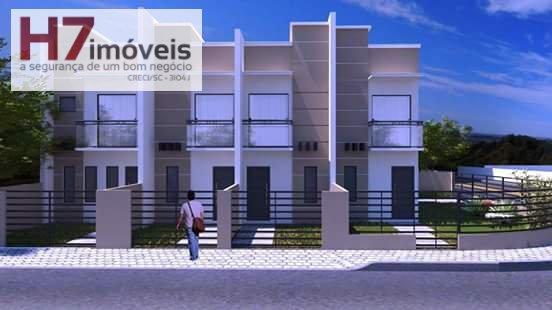 Casa a Venda no bairro Jardim Iririú em Joinville - SC. 1 banheiro, 2 dormitórios, 1 vaga na garagem, 1 cozinha,  lavabo.