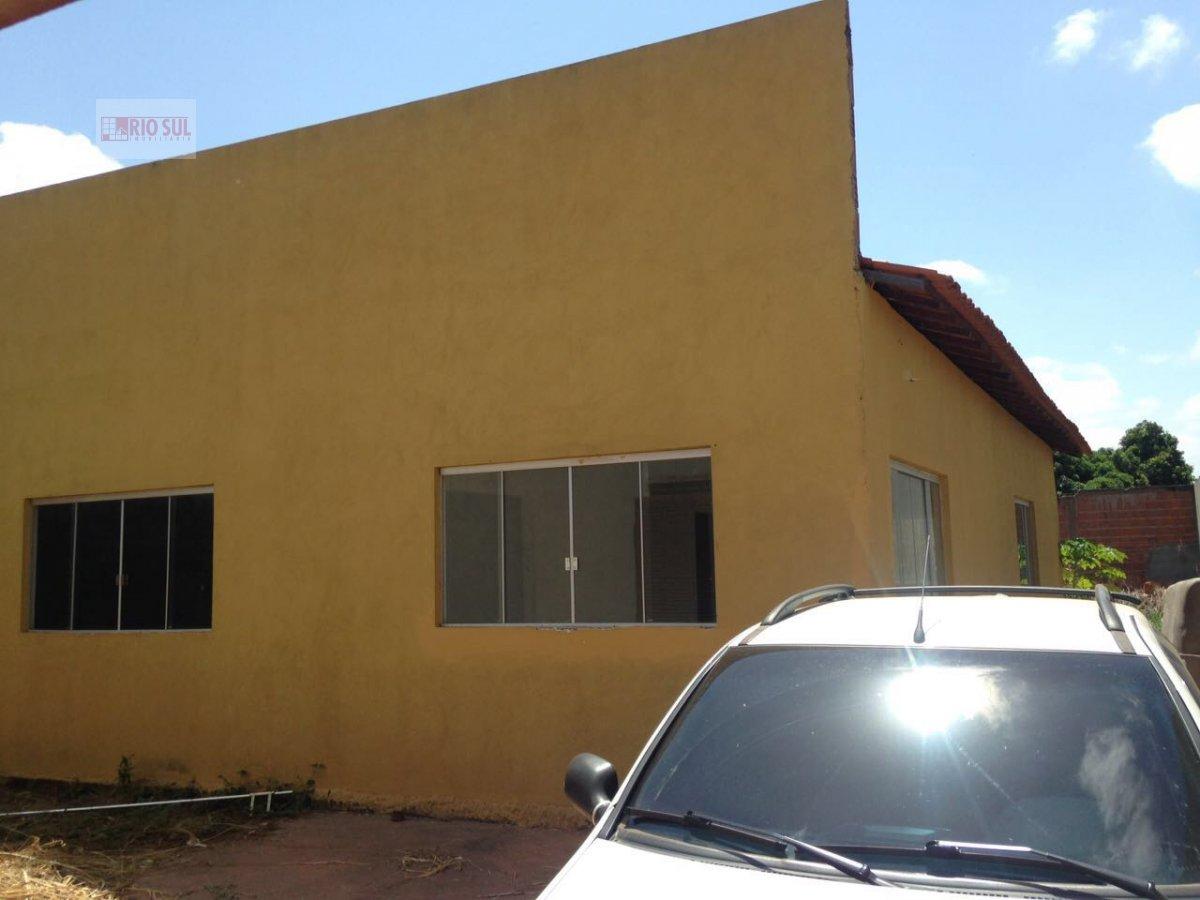 Casa a Venda no bairro Parque Alvorada em Imperatriz - MA. 2 banheiros, 3 dormitórios, 1 suíte, 4 vagas na garagem, 1 cozinha,  closet,  área de servi