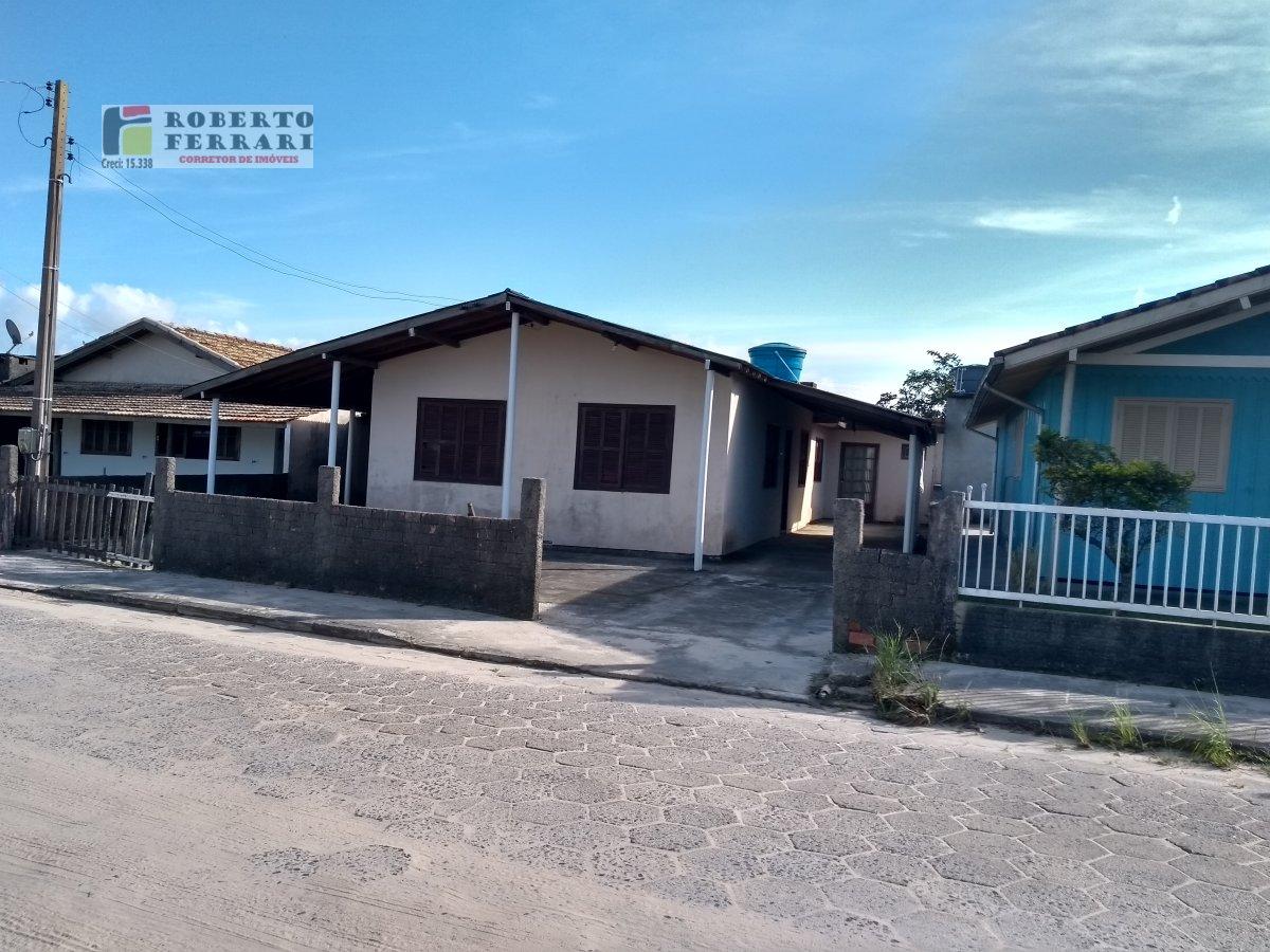 Casa a Venda no bairro Ibiraquera em Imbituba - SC. 1 banheiro, 3 dormitórios, 1 vaga na garagem, 1 cozinha,  área de serviço,  sala de estar.  - 175