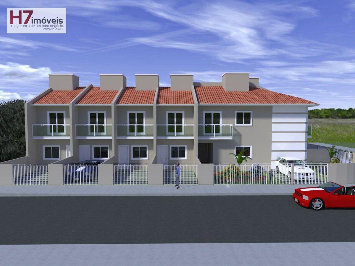 Casa a Venda no bairro Iririú em Joinville - SC. 1 banheiro, 2 dormitórios, 1 vaga na garagem, 1 cozinha.