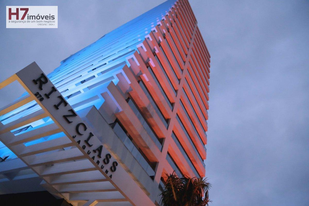 Apartamento a Venda no bairro Centro em Joinville - SC. 1 banheiro, 2 dormitórios, 1 suíte, 1 vaga na garagem, 1 cozinha.
