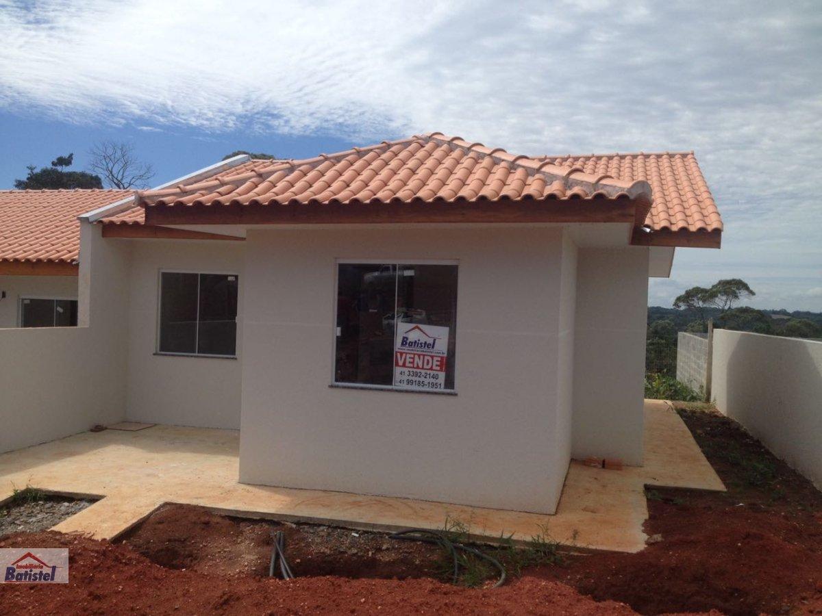 Casa a Venda no bairro Conjunto Habitacional Monsenhor Francisco Gorski em Campo Largo - PR. 1 banheiro, 3 dormitórios, 1 vaga na garagem, 1 cozinha.