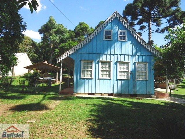 Chácara a Venda no bairro Bugre em Balsa Nova - PR. 3 banheiros, 9 dormitórios, 1 suíte, 4 vagas na garagem, 3 cozinhas,  área de serviço,  copa,  lav