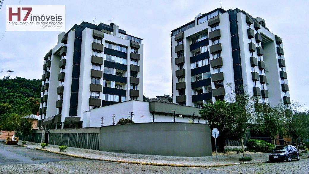 Apartamento a Venda no bairro Saguaçu em Joinville - SC. 1 banheiro, 2 dormitórios, 1 suíte, 1 vaga na garagem, 1 cozinha,  área de serviço,  sala de