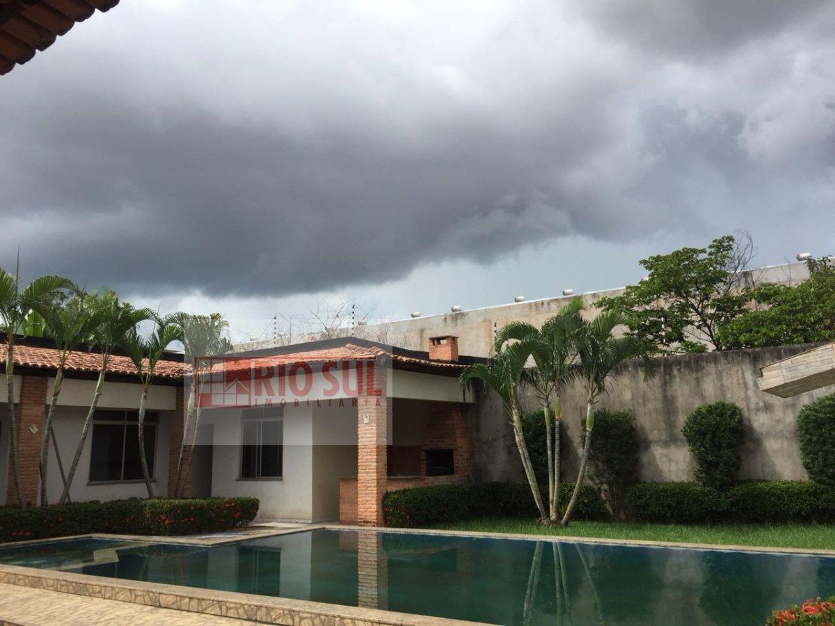 Casa para Alugar no bairro Santa Rita em Imperatriz - MA. 5 banheiros, 4 dormitórios, 3 suítes, 8 vagas na garagem, 2 cozinhas,  área de serviço,  sal