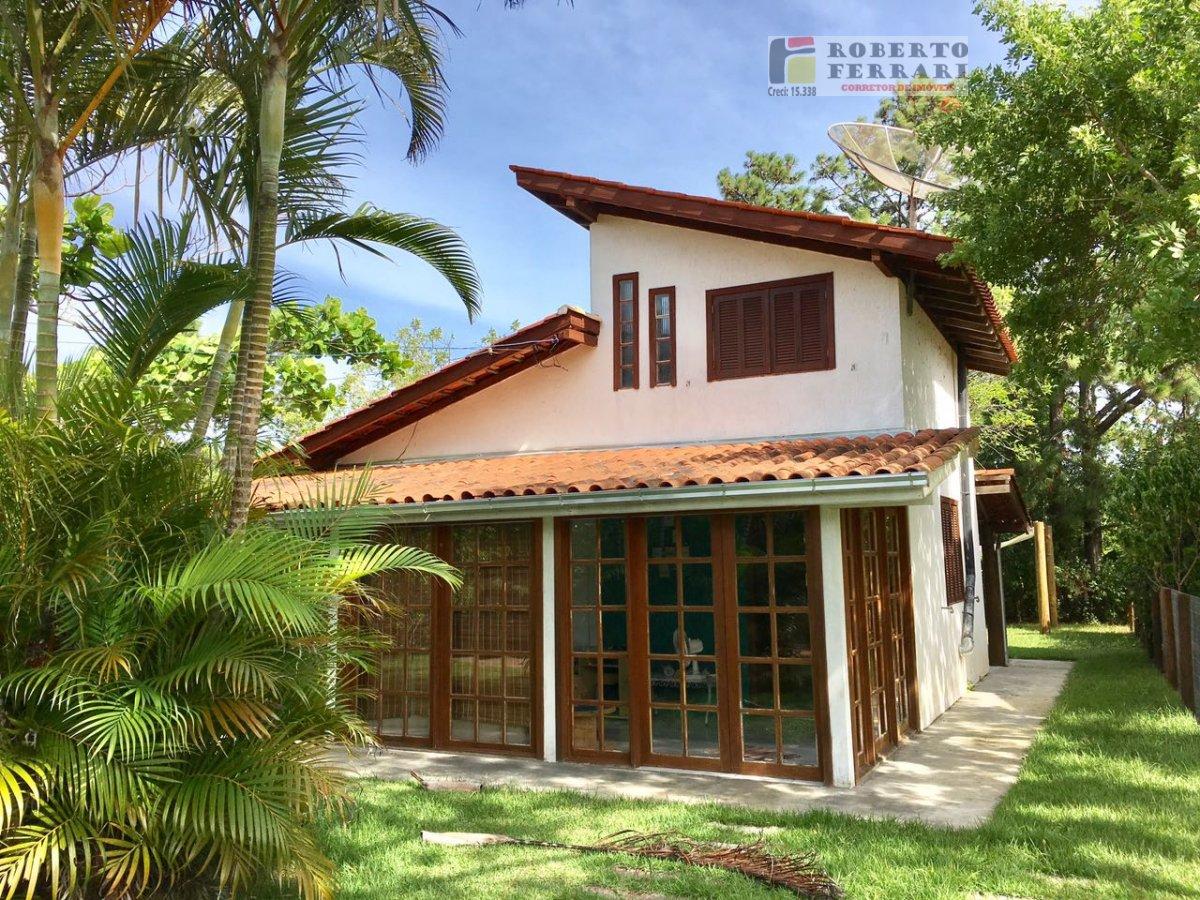 Casa a Venda no bairro Arroio em Imbituba - SC. 2 banheiros, 3 dormitórios, 1 suíte, 1 vaga na garagem, 1 cozinha,  área de serviço.  - 183