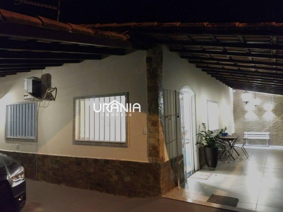 Casa a Venda no bairro Barra do Jucu em Vila Velha - ES. 2 banheiros, 3 dormitórios, 1 suíte, 4 vagas na garagem, 1 cozinha,  área de serviço,  sala d