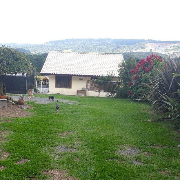 Casa a Venda no bairro Bugre em Balsa Nova - PR. 2 banheiros, 3 dormitórios, 1 suíte, 2 vagas na garagem, 1 cozinha.  - CA0173